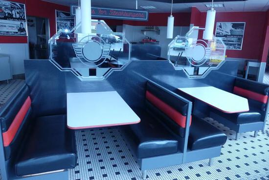 Island of Booths - Center of Restaurant - 4 Booths - Seats 15