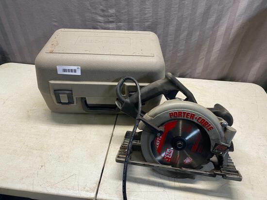 Porter Cable Circular Saw with plastic carry case