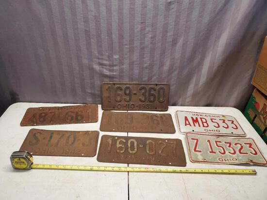 Lot of 7 assorted vintage license plate