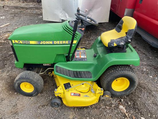John Deere LX188 Riding Lawn Mower