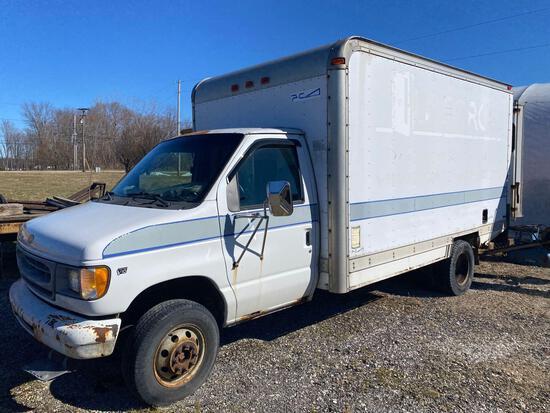 2001 Ford E-450 Box Truck