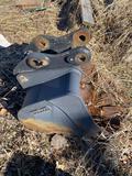 Cannon 24in Mini Ex Quick Attach Bucket