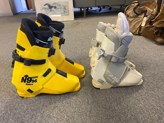 Men?s and Women?s Ski Boots.