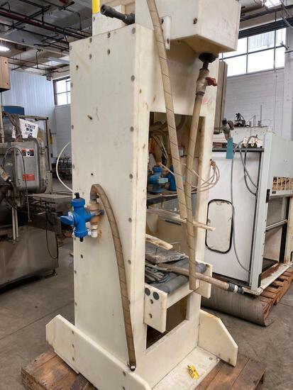 Composite bottle filler with conveyor hookups