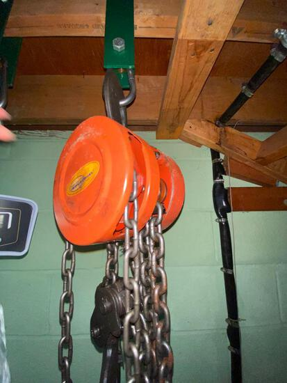 2 Ton Chain Hoist - Lift 20 feet