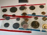 Assorted mint sets, missing envelopes, includes some 1976 sets