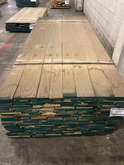 Approx 200 pcs of Red Oak Lumber, 4/4 thick