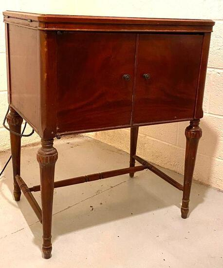 Vintage Domestic Rotary Sewing Machine in Cabinet with Extending Table