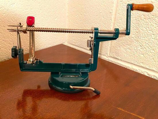Apple Peeler Corer & Slicer in Original Box