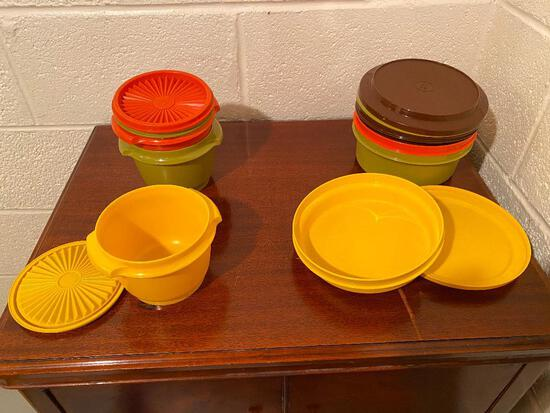 Set of Vintage Rubbermaid Containers