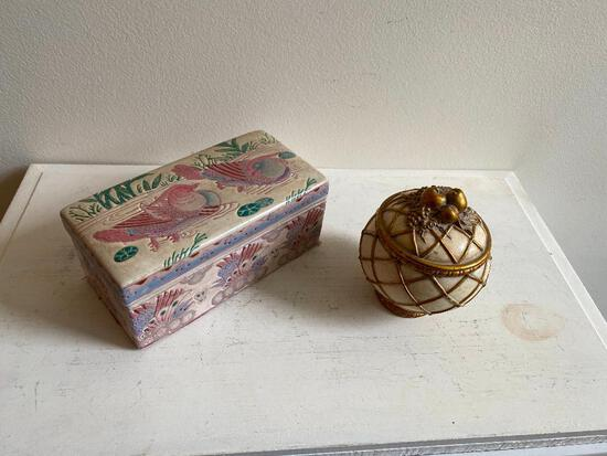 Porcelain Box Hand-Painted in Macau for Empire Collection, and Small Round Ceramic Box