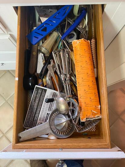 Contents of Kitchen Drawer
