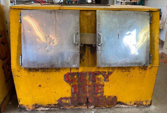 """Dual-Door """"City Ice"""" Electric Freezer"""