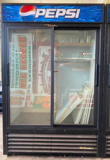 Sliding Glass Door Pepsi Merchandiser Refrigerator with Shelves