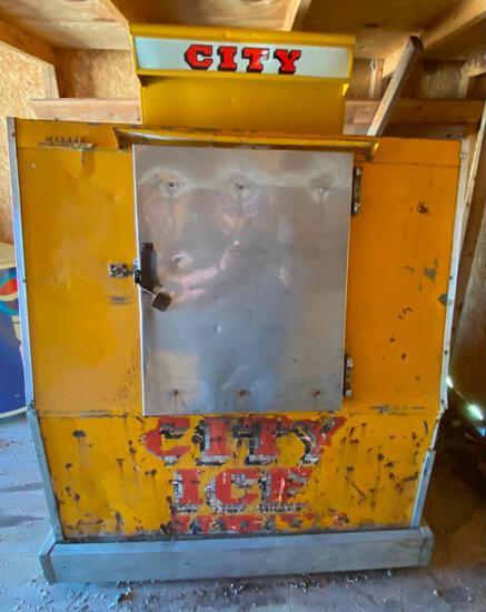 """RARE Vintage """"City Ice"""" Electric Freezer"""
