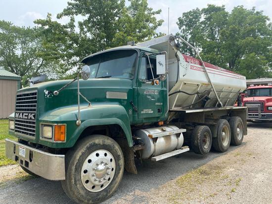 1998 Mack CH613 Tri-Axle Lime Spreading Truck