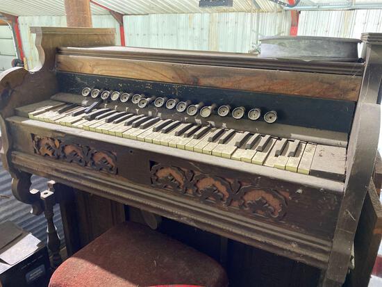 Vintage Organ-Condition Unk