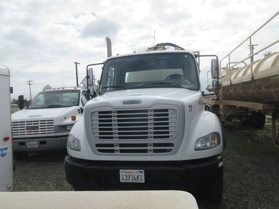 2012 Freightliner Business Class M2 Vac Truck w/Tank