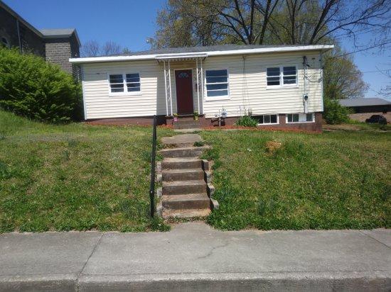 [Bid Lot #114] 908 Wright St, Sweetwater, TN (Lot Dimensions 80x100)