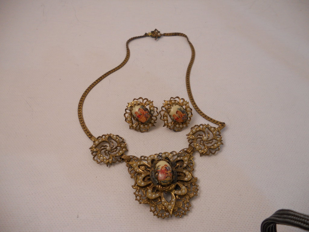 Vintage Kariie Necklace and Earrings