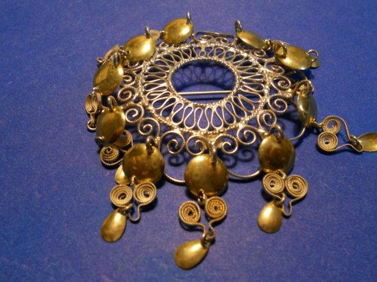 Vintage Gold Tone Brooch
