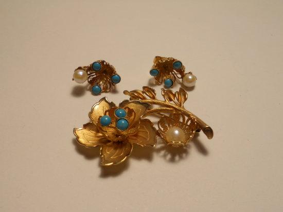 Set Vintage Rhinestone Brooch and Earrings