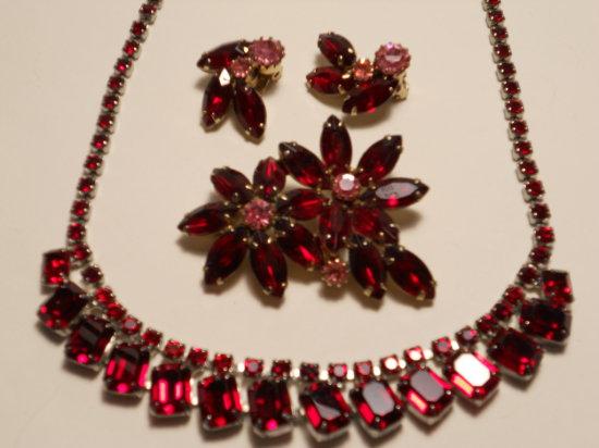 Set Vintage Rhinestone, Necklace, Brooch, Earrings