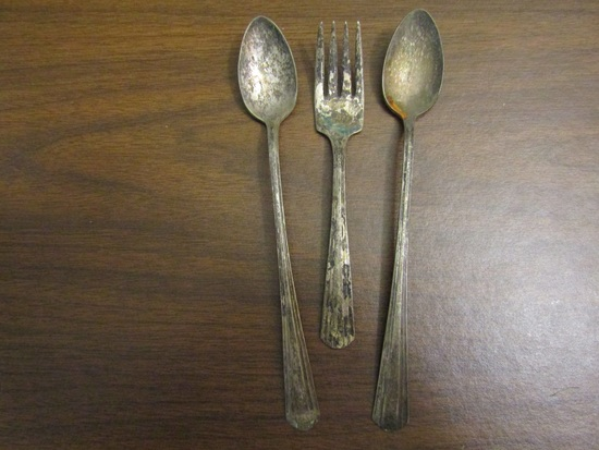 Vintage Lot of 3 AVON Silver Plate Spoons and Fork
