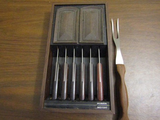 Vintage Lot of 7, EKO Flint Stainless Vanadium Steak Knives and Cutco #26 Serving Fork