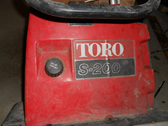 Toro S-200 Snowblower