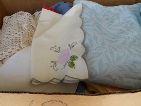 Vintage Linen Table Cloths and Napkins