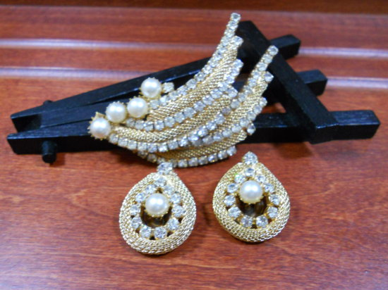 Vintage Brooch and Earrings Set