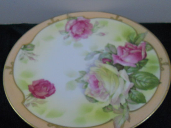 Royal Runglstad Plate, Flowers
