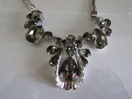 Amazing Vintage Juliana Grey silver Tone Necklace