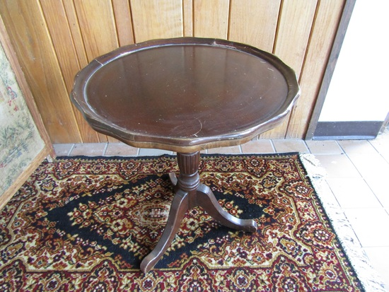 Vintage Round End Table, Lamp Stand, Wood