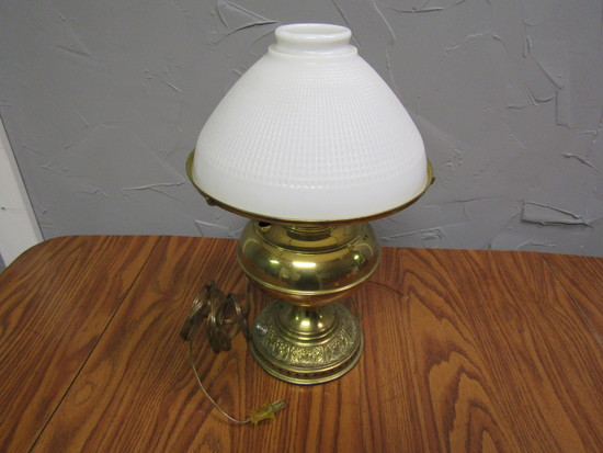 Lamp gold Tone, White Shade