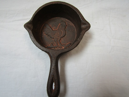 Mini Cast Iron Skillet, Rooster Design