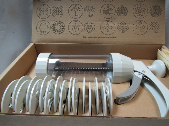 Pampered Chef Cookie Press in Original Box Complete