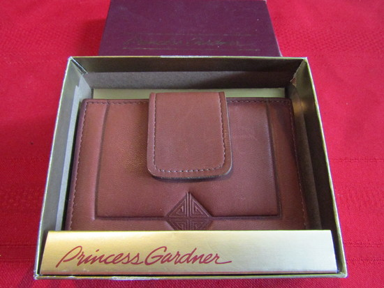 Vintage Princess Gardner Wallet in Box