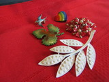 Lot of 5 Vintage Brooches