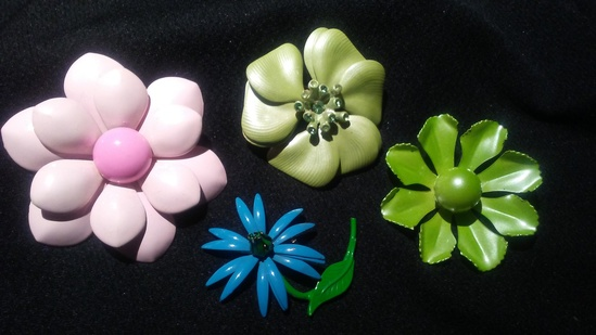 4 Metal Flower Brooches