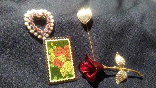 4 Lot Vintage Stamp Design Pin, Stick Pin, Rose and Heart Brooches