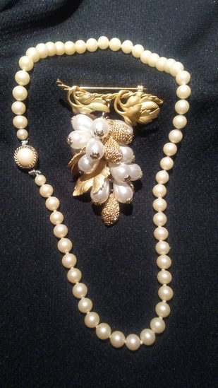 2 pc. Art Deco Faux Pearl Necklace and Brooch
