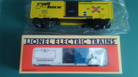 Williams Railbox Boxcar and Lionel Learning Center Boxcar