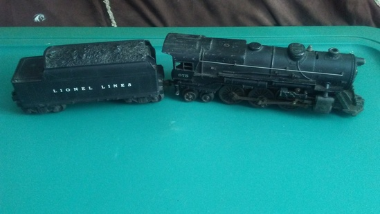 Lionel Post War 675 Steam Engine with Coal Car