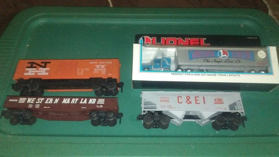 2 Misc. Cars, Kusan Hopper and Lionel Visitor Center Tractor Trailer
