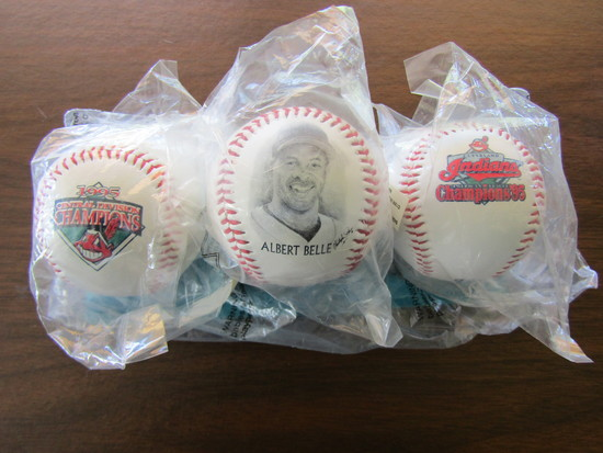 Lot of 3 Baseballs with Stand, Albert Belle, Indians 95 Champions, in Good Condition