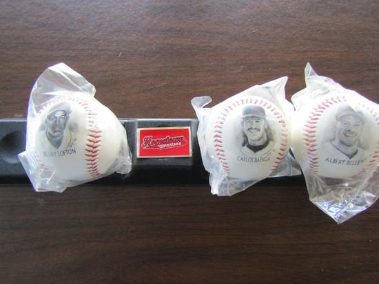 Lot of 4 Baseballs with Stand, Kenny Lofton, Carlos Baerga, Albert Belle