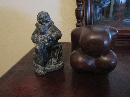 Lot of 2 Figurines