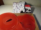 Lot of Kitchen Ware, Rachel Ray Lids, Oven Mits, Travel Kit